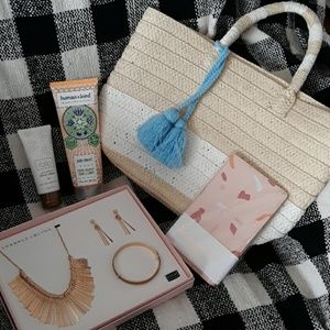 Beauty & accessories bundle * causebox items *